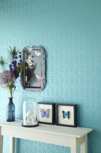 321823 A contemporary floral wallpaper by designer Eijffinger