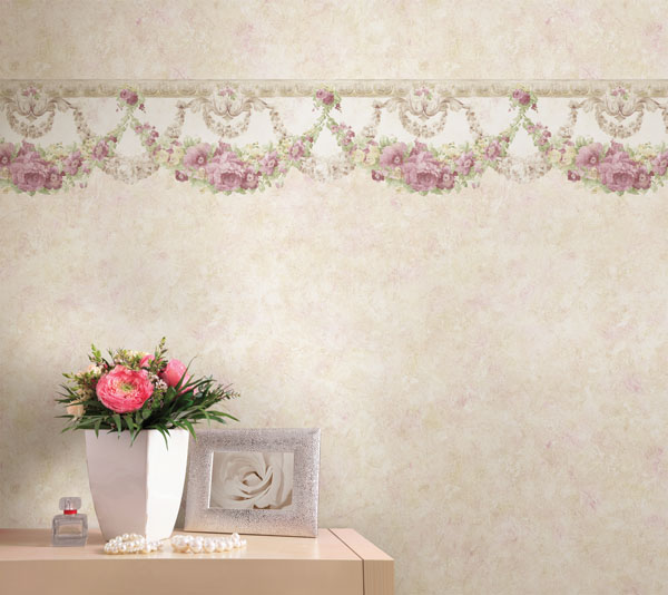 Lovely vintage decor looks brewster home for Wallpaper borders for your home