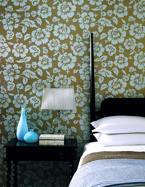 566-44502 Grasscloth wallpaper with a lush touch of turquoise floral print. A beautiful guest room decor idea