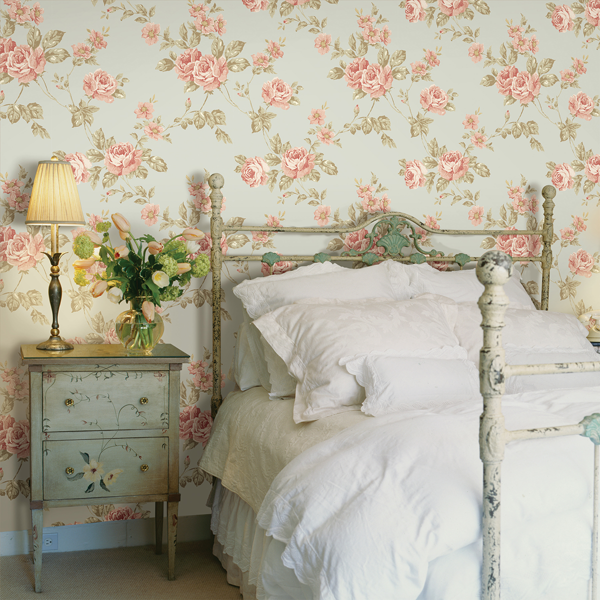 Mint green makeovers brewster home for Floral bedroom ideas