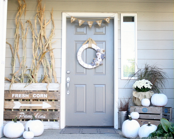 Neutral Fall Porch via Design Dining and Diapers